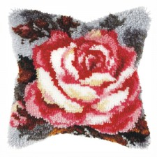 Latch hook cushion Rose