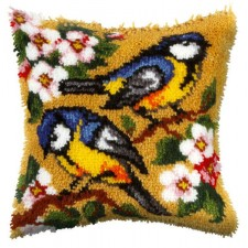 Latch hook cushion Blue Tits