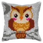 Latch hook cushion Owlet