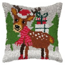 Latch hook cushion Christmas Reindeer