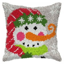 Latch hook cushion Snowman