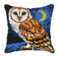 Latch hook cushion Owl at night