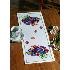 Table runner Flowers