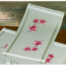 Table runner Acer palmatum