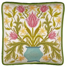 Petit Point stitch kit William Morris - Vase Of Tulips Tapestry - Bothy Threads
