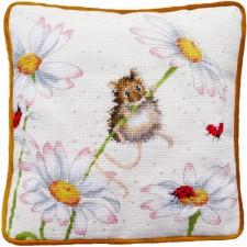 Petit Point stitch kit Hannah Dale - Daisy Mouse Tapestry - Bothy Threads