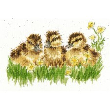 Cross stitch kit Hannah Dale - Buttercup - Bothy Threads
