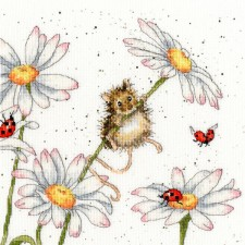Cross stitch kit Hannah Dale - Daisy Mouse - Bothy Threads