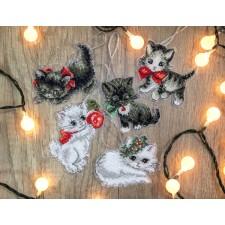 Cross stitch kit Christmas Kittens Toys - Leti Stitch