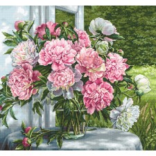 Petit Point stitch kit Peonies by the Window - Luca-S