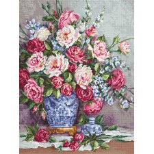 Petit Point stitch kit Her Majesty's Roses - Luca-S