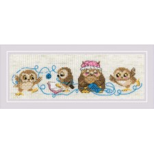 Cross stitch kit The Owl Family - RIOLIS