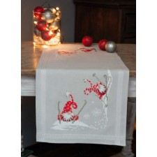 Table runner kit Christmas gnomes skiing