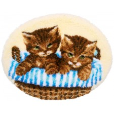 Latch hook shaped rug kit Kittens in basket