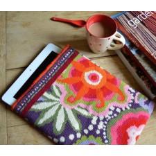 Vrolijke Tablethoes  - Merry Go Round Tablet Holder