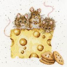 Cross stitch kit Hannah Dale - Crackers About Cheese - Bothy Threads