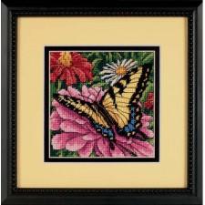 Vlinder op bloem (Butterfly on Zinnia)