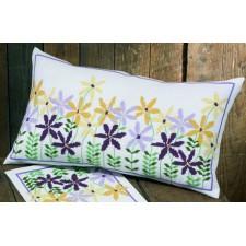 Borduurkussen paarse en gele bloemetjes - Naive flowers