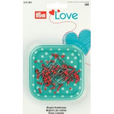 Magnetic pin cushion Love