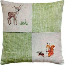 Borduukussen hert en eekhoorn - Cushion Deer and Squirrel