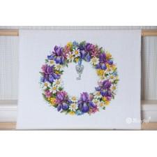 Borduurpakket Bloemenkrans met irissen - Wreath with Irises