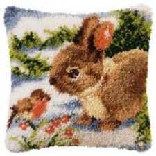 Latch hook cushion kit Bunny with bird in the snow