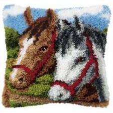 Knoopkussen met 2 paarden