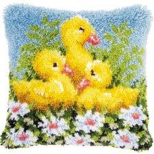 Latch hook cushion kit Ducks