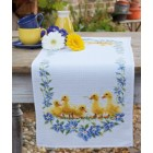 Aida table runner kit Little ducks
