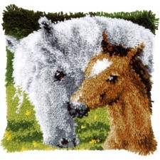 Latch hook cushion kit Horse and foal