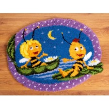 (OP=OP) Latch hook shaped rug kit MDB Maya&Willy at night